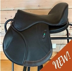 Freeform AP - All Purpose Hunt Seat/Jumping Treeless Saddle.